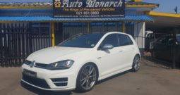 2016 white golf 7R with 69000km
